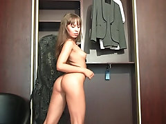 Young Carrie Shows Her Perfect Ass and Pussy